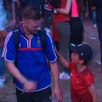 enfant-portugais-suppoter-français