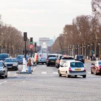Paris met en place les vignettes anti-pollution