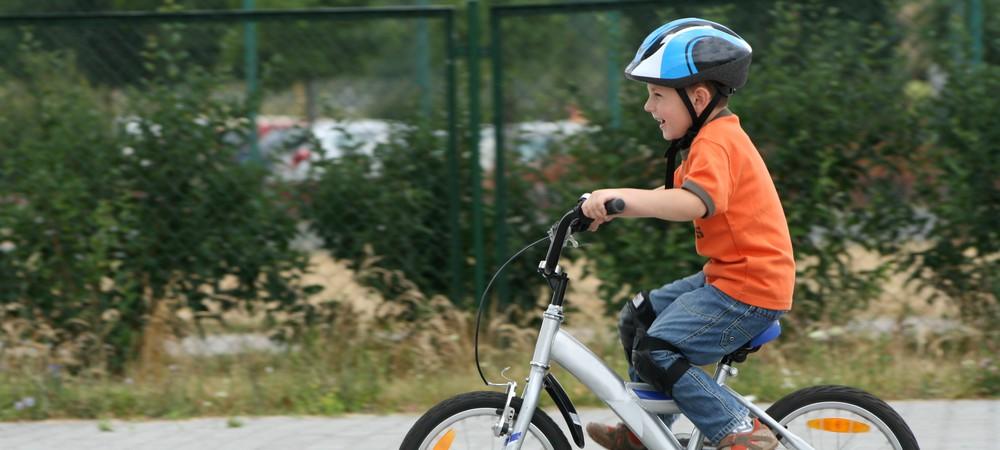 V lo le port du casque sera bient t obligatoire - Port du casque a velo obligatoire 2011 ...