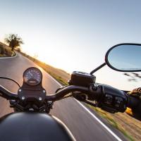 Les gants bientôt obligatoires pour les conducteurs de deux-roues