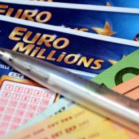 Millionaire à 17 ans, elle porte plainte contre EuroMillions