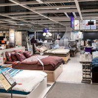 Ikea demande aux jeunes d'arrêter de dormir dans ses magasins