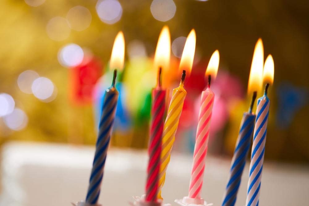 anniversaire   des bougies vahin u00e9 rappel u00e9es